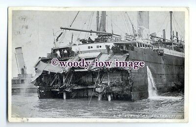 LS00497 - White Star Liner - Suevic after her grounding and splitting - postcard