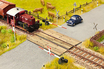 Noch 14424 TT Gauge, Railroad Crossing Wooden Planks Laser-Cut minis Kit #