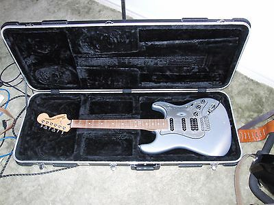 FENDER STRATOCASTER TEXAS SPECIAL HSS with HARD CASE