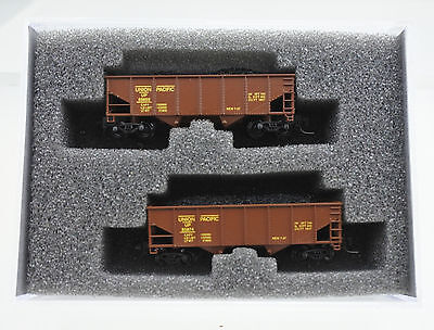 Full Throttle Z Scale Wdw 2009 Union Pacific 33-Ft 2 Bay Rib-Side Hopper #2