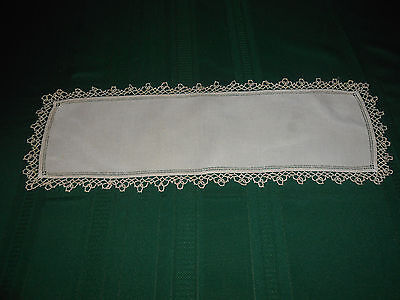 Fantastic Off White Linen Doily With Light Beige Hand Tatted Lace,  Circa 1920