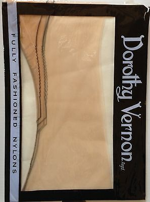 Vintage Dorothy Vernon Black Outline Fully Fashioned nylon Stockings size 9
