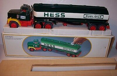 Vintage 1984 Hess Tanker Toy Truck/ Bank    New In The Box