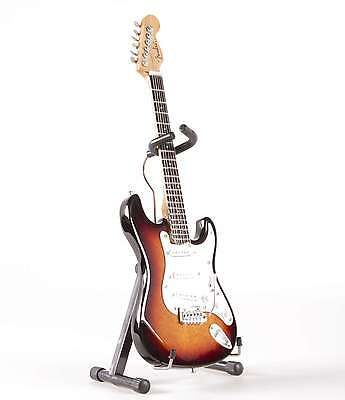 Axe Heaven Fender Licensed Sunburst Strat 1/4 scale Miniature Collectible FS-001