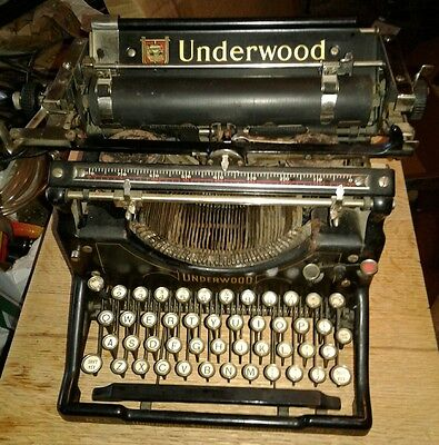 Vintage Underwood Standard Typewriter No.5 - Works, sn, 1643055-5
