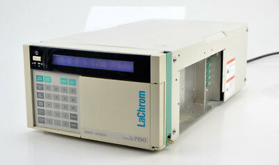 Merck Hitachi HPLC Pumpe LaChrome Model L-7100 isokratisch