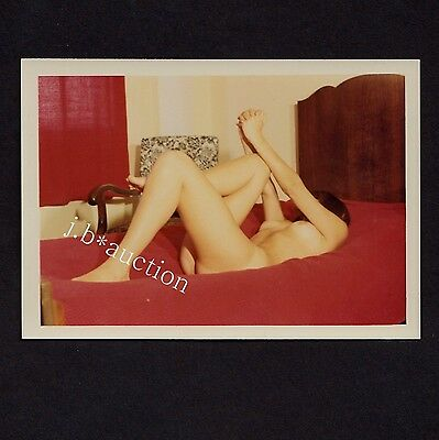 South Africa NUDE WOMAN'S GYM ON BED / NACKTE GYMNASTIK * 1965 Vintage Photo