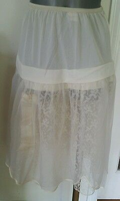 Vintage 1950's layered and lace Femicraft Lingerie petticoat, Size Medium