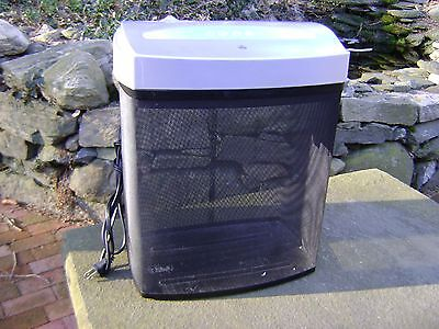PAPER SHREDDER - FELLOWS Model: S701CM with a metal basket WORKS GREAT