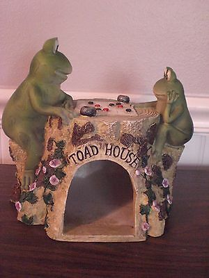 Toads/Frogs Figurines Playing checkers on Toad House Tree Stump-Resin