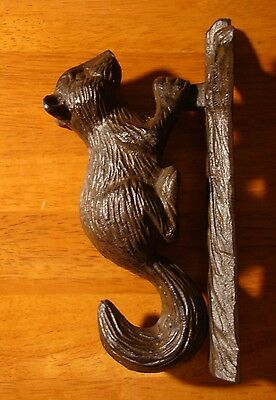 Rustic Lodge Brown Squirrel on Tree Trunk Cast Iron DOOR KNOCKER Home Decor NEW