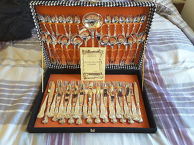Vintage cased silver plated cutlery set