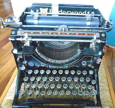 1920's UnderWood Manual Typewriter No.5? with Open Sides-Glass Keys-Orig.Cover