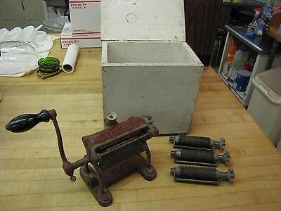 Vintage Pasta Machine ~ 3 Noodle Sizes ~ Farm Fresh