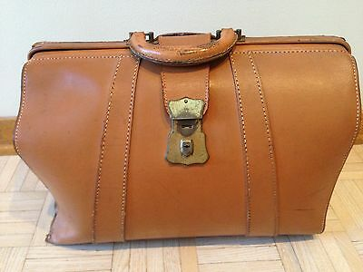 Antique OLD Camel Tan Leather Doctors Medical/ Medicine Bag Vintage Satchel Bag