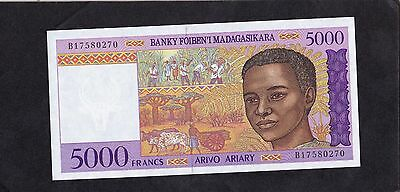 Madagascar 5000 francs unc combined shipping