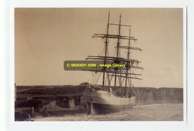 rp7064 - Sailing Ship Carl aground Freshwater , Isle of Wight - photo 6x4