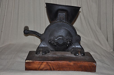 Heavy Antique Cast Iron Hand Operated Grister or Grinder
