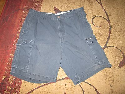 COLUMBIA mens sz 34 blue cargo style shorts