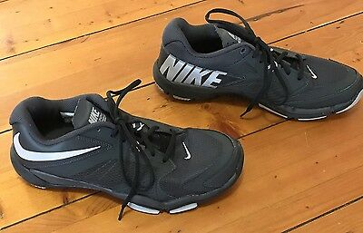 Men's Nike Size 10.5 US Black Trainers Great Condition