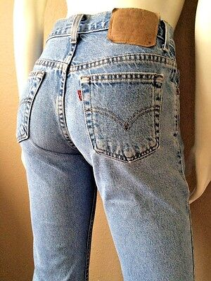 Vintage Levis 550 High Waist Tapered Leg sz 6 Reg S 28 x 28 Light Acid Wash