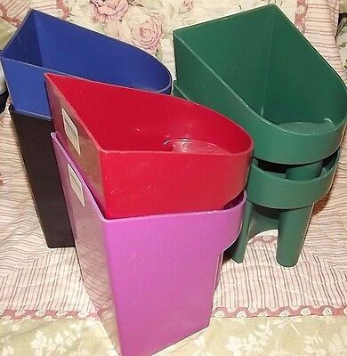 Lot of (6) New 2 qt Feed Scoop Plastic with Handle