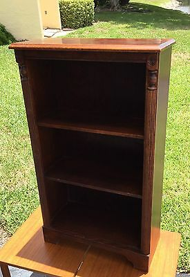 FINE VinTagE CARVED MAHOGANY BOOKCASE / 3 SHELVES