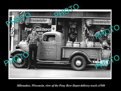 OLD LARGE HISTORIC PHOTO OF MILWAUKEE WISCONSIN, THE PONY BEER DEPOT TRUCK c1940