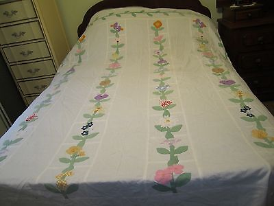 "Vintage Handmade & Hand Appliqued Cotton Quilted Coverlet - 83"" x 90"""