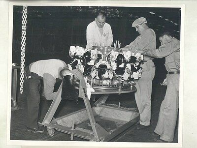 1943 Buick WWII Radial Bomber Airplane Engine ORIGINAL Factory Photograph ww9244