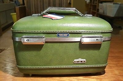 Vintage American Tourister GREEN Train Case Travel Hard Luggage w/ Bellhop Key