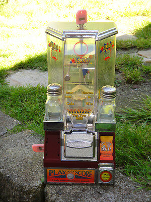 VTG Basketball Coin Shooter Tabletop Candy gumball vending Machine condition N/R