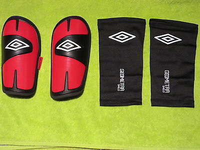 Shin pad Football by Umbro with Accessories in red L Football Sport New