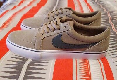 nike satire men's. Size 9US. New without tags