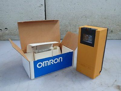 OMRON E3K-R10 PHOTOELECTRIC SWITCH 42-240vAC, 24-240vDC