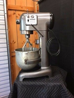 Hobart C100 Mixer A100 Bakery/Dough Countertop w/Bowl & Whip **Beautiful** 10qt
