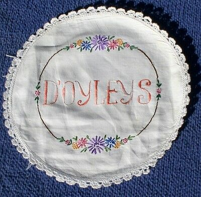 Vintage Hand  Embroidered Doily Holder,' DOYLEYS' Linen Fabric, side opening