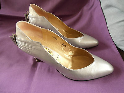 Vintage 'RENATA' Silver Court Shoes with Bow Detail UK 4.5 / 5