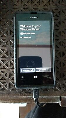 Cell phones- Nokia Lumina 520 8GB Windows Phone - White w/ case