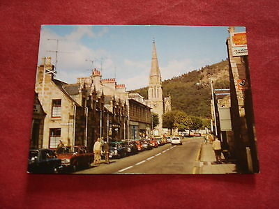 VINTAGE SCOTLAND: BALLATER Main Street colour CARS
