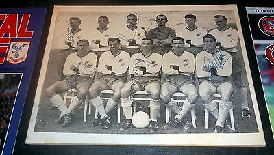 10 CRYSTAL PALACE PROGRAMMES & EARLY 1960s SIGNED PHOTO