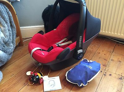 Maxi Cosi Pebble Car Seat In Red With Rain Cover