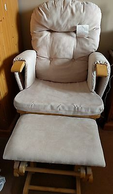 Gliding / rocking recliner chair with matching gliding / rocking foot stool