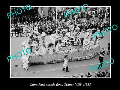 OLD LARGE HISTORIC PHOTO OF THE LUNA PARK PARADE FLOAT, SYDNEY NSW c1938