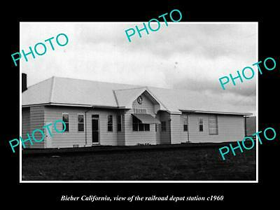 OLD LARGE HISTORIC PHOTO OF BIEBER CALIFORNIA, THE RAILROAD DEPOT STATION c1960
