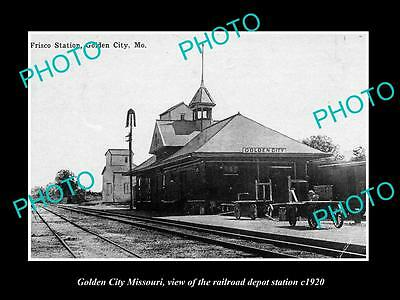 OLD LARGE HISTORIC PHOTO OF GOLDEN CITY MISSOURI, RAILROAD DEPOT STATION c1920