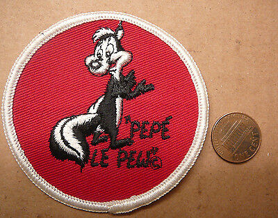 Vintage Pepe Le Pew Cartoon Looney Tunes Warner Bros. Embroidered Cloth Patch