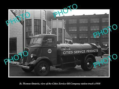 OLD LARGE HISTORIC PHOTO OF St THOMAS ONTARIO, THE CITIES OIL GAS TRUCK c1930