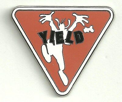 Disney pin Goofy - Yield Sign