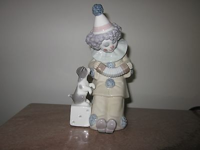 "Lladro Clown Figurine 5279 ""PIERROT WITH CONCERTINA"" Retired 2007"